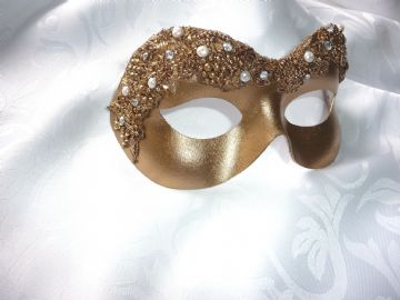 Baroque style gold filigree eye with Sparkling Diamante Chatons